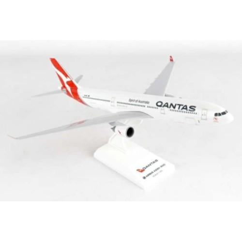 SKR928 - 1/200 QANTAS A330-300 NEW LIVERY